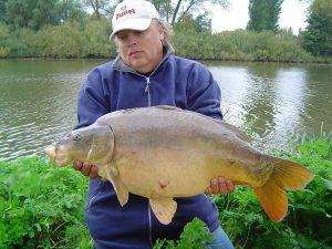 René Moolhuizen met de eerst gemelde vangst van Magikarp in 2006